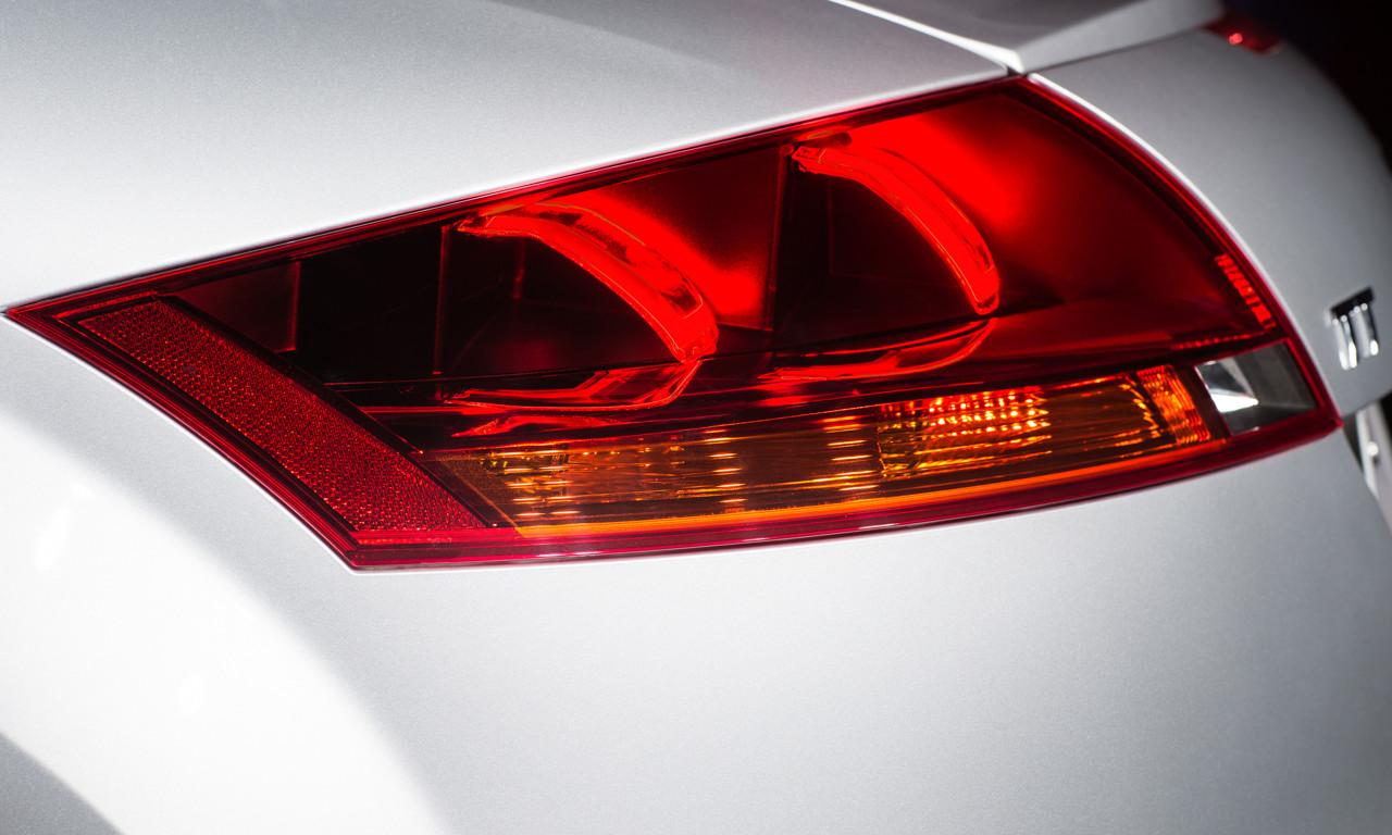 Blick in die Zukunft: Audi TT mit gekrümmter OLED als Heckleuchte