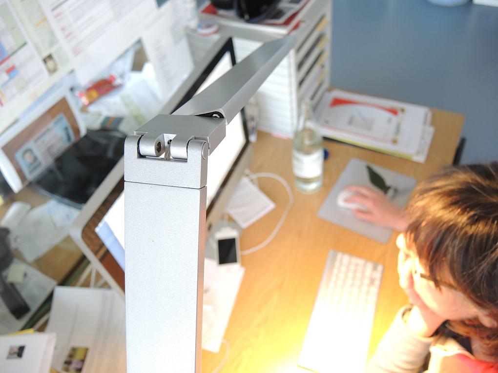 fold licht zum falten auf dem schreibtisch smart. Black Bedroom Furniture Sets. Home Design Ideas