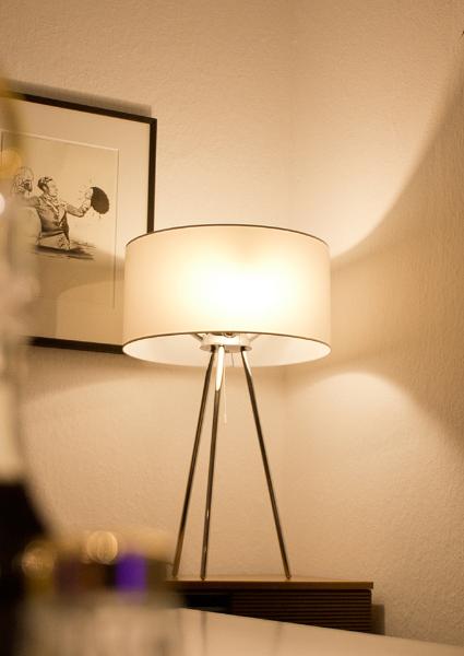 lightover in der altbauwohnung smartes licht f r kleine r ume video smart light living. Black Bedroom Furniture Sets. Home Design Ideas