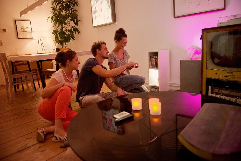 Lightover in der Altbauwohnung mit Sophia Klees: Smartes Licht von Philips für kleine Räume