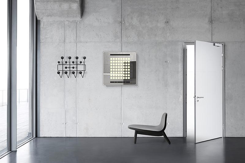 Innovatives Licht im Wandmöbel: Philips LivingShapes OLED-Spiegel