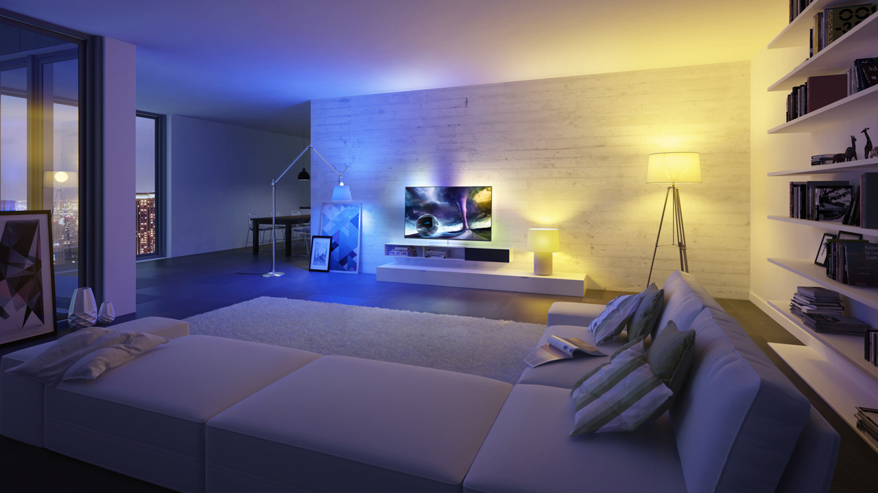tv licht philips hue bringt ambilight ins ganze zimmer video smart light living. Black Bedroom Furniture Sets. Home Design Ideas