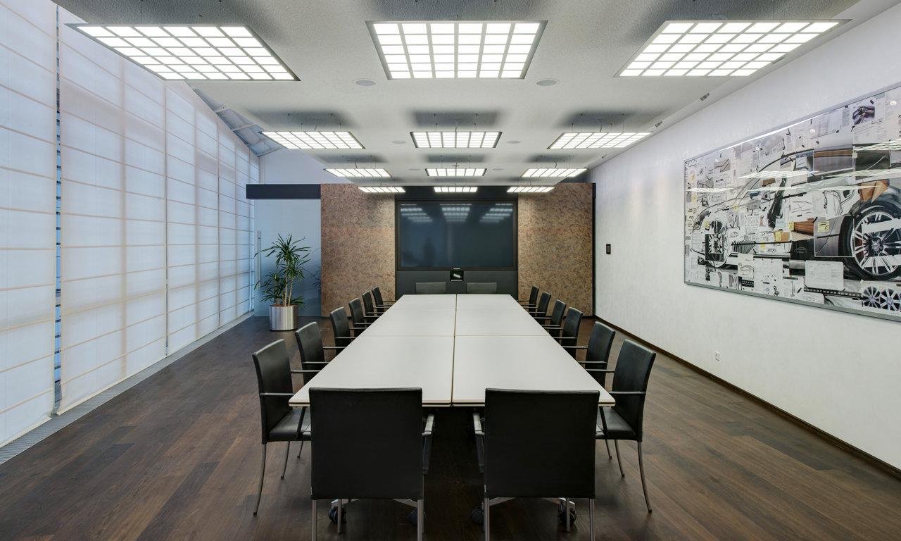 sehr cool audi forum ingolstadt setzt voll auf oled beleuchtung smart light living. Black Bedroom Furniture Sets. Home Design Ideas