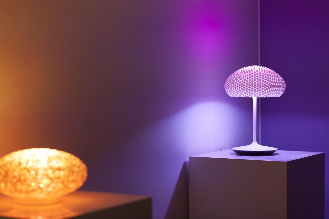Philips Licht Hue : Philips hue go tafellamp philips hue go tischleuchte migros