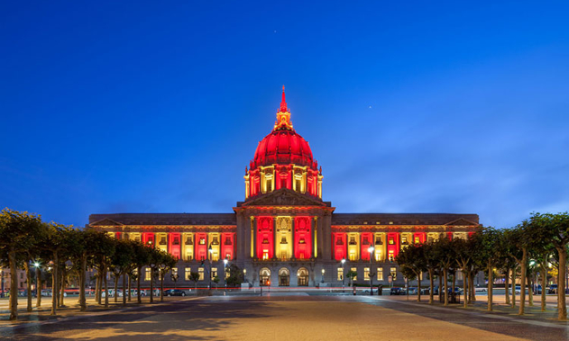 San Francisco City Hall leuchtet mit LED