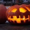 Grusel-Licht an Halloween: LED, schaurig-schön im Kürbis