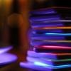 [Sommerlich(t)] Licht-Cocktail: LED-Coasters mischen Farbe ins Glas