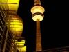 goldende-kamSchon vor der glamourösen TV-Gala wird Hamburg in Gold getauchtera-2015-fernsehturm-led-licht_3