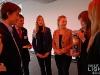 """Studierende der HAW beim Pressegespräch zur OLED-Plakat-Aktion """"Next Generation"""" bei Philips"""