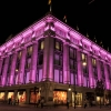 Kampf gegen Brustkrebs: Philips engagiert sich für Aufklärung – und illuminiert weltberühmte Wahrzeichen
